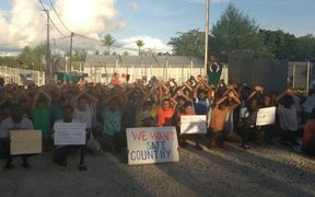 The 105th daily protest on Manus Island, 13-11-17.