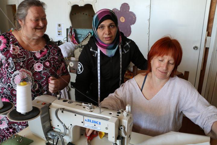 Sew Good's Syrian Malaysian And Pasifika Mamas RNZ Delectable Sewing Machine Wellington