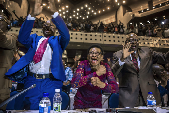 Zimbabweans home and abroad celebrate Mugabe's exit