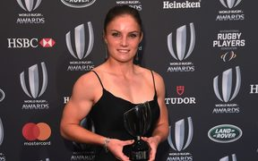 Michaela Blyde of New Zealand poses with the World Rugby Women's Sevens Player of the Year Award 2017