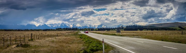 The road to Lake Tekapo