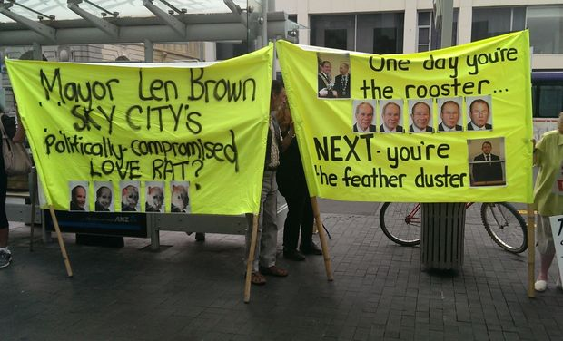 Affordable Auckland protesters against mayor Len Brown.