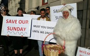 Easter Trading 'a trial'   employers on notice, says Dunedin's mayor: RNZ Checkpoint