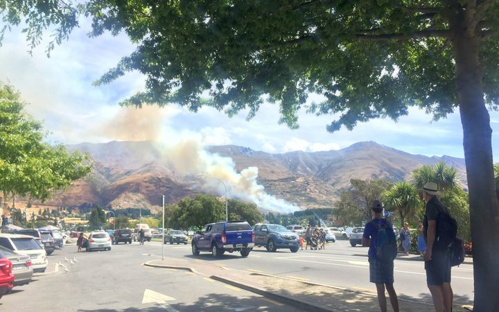 The fire on Mt Roy near Wanaka can be clearly seen from town.