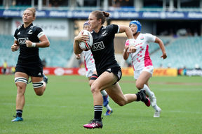 Black Fern Michaela Blyde in action
