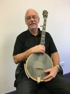 Wayne Robinson and his banjo