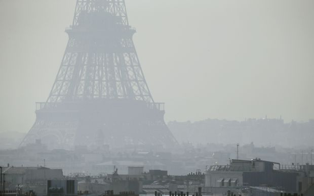 Air pollution in Paris has reached dangerous levels.
