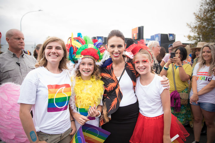 Prime Minister Jacinda Ardern with Piper Shields, Phoebe Newcombe & Audrey Reid (from left to right).
