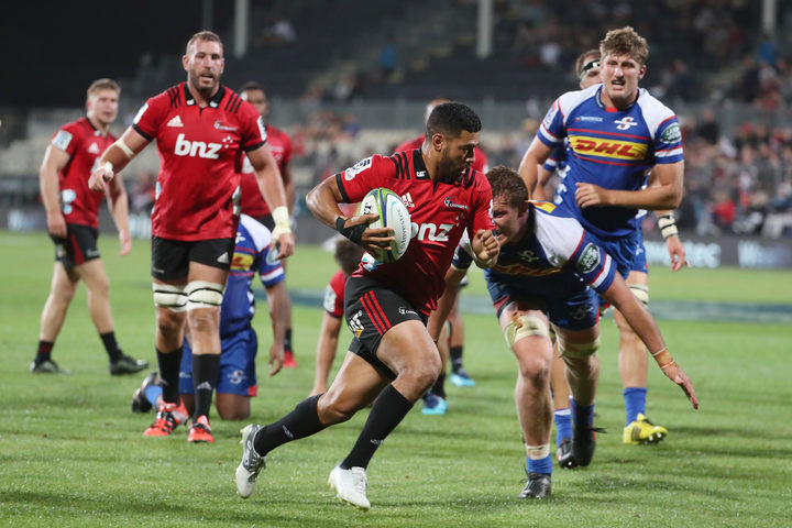 Crusaders start fast, finish well to beat Stormers