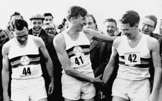 Sir Roger Bannister (centre)  alongside pacesetters Chris Chataway (right) and Chris Brasher when he broke the mile world record