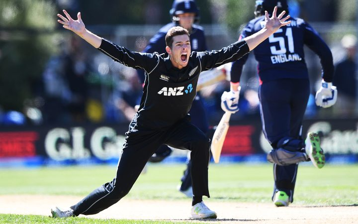 Mitchell Santner appeals unsuccessfully  for a wicket against England.