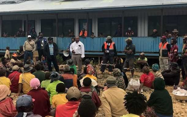 A paramedic clinic established several days after the 26 February earthquake in PNG's Hela province, assisted by ExxonMobil.