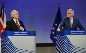MARCH 19: Secretary of State for Exiting the European Union David Davis (L) and European Union's chief Brexit negotiator Michel Barnier (R) hold a press conference following Brexit talks in Brussels, Belgium, on Monday, March 19, 2018.