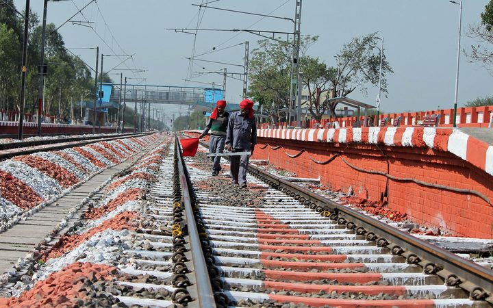 Track maintainers at work, at the beautified Mohali Railway Station, on March 09, 2018. The Times of India/Balish Ahuja