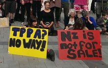 Export New Zealand wants political parties to take a bi-partisan approach to free trade.