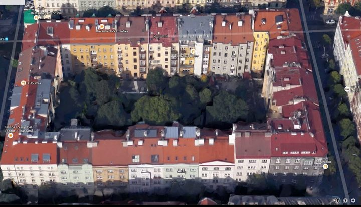 An example of a perimeter block in Prague