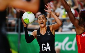 Silver Ferns shooter Maria Folau pleading with mid-courters