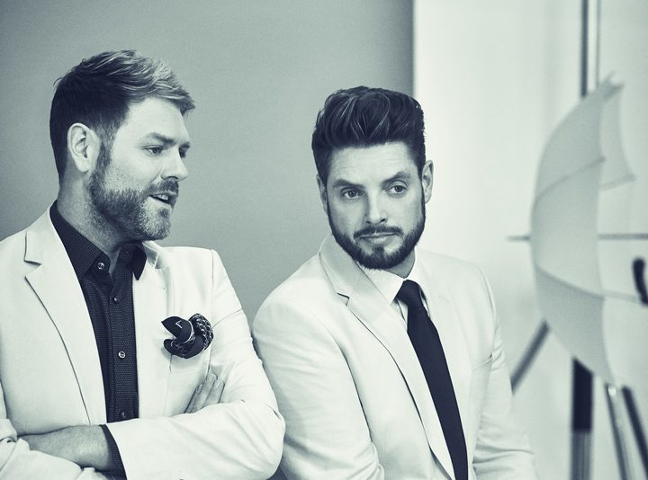 Brian McFadden (L) and Keith Duffy (R)