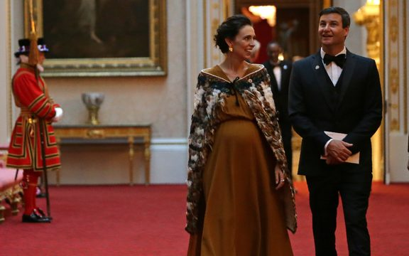 New Zealand's Prime Minister Jacinda Ardern (L) arrives to attend The Queen's Dinner during The Commonwealth Heads of Government Meeting (CHOGM), at Buckingham Palace in London on April 19, 2018.