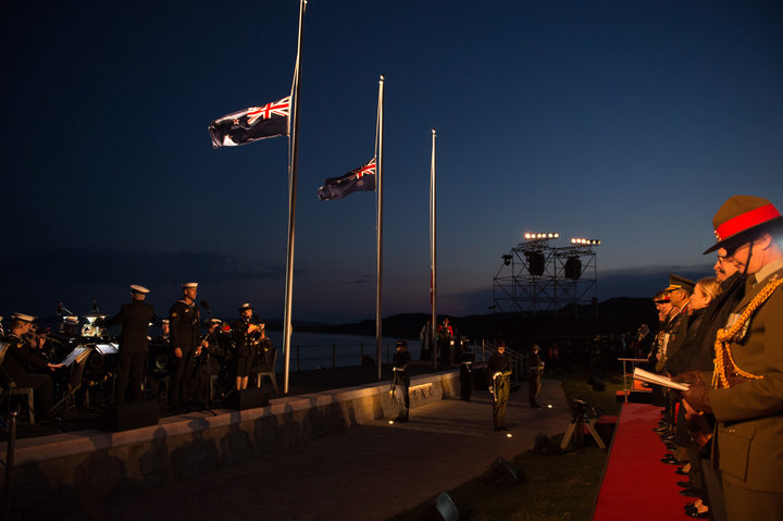 Trevor Mallard delivers heartfelt speech at Anzac dawn service in Gallipoli