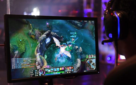 E-sports could be a demonstration sport at the Paris Olympics.