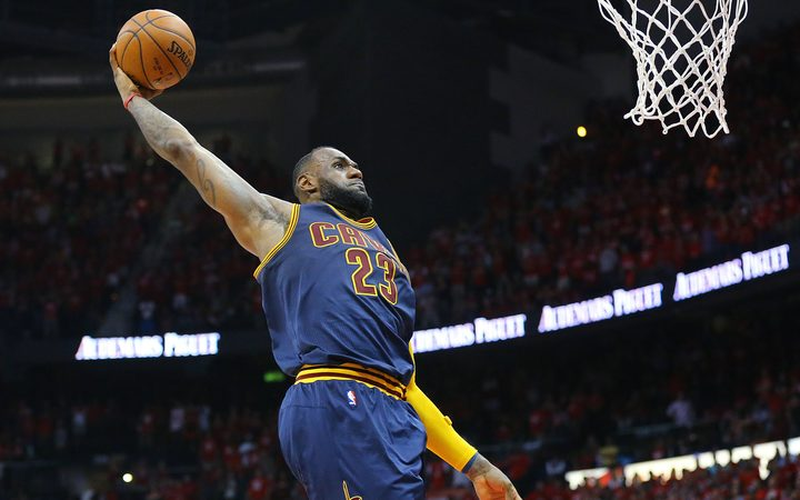 huge selection of b828e 61d4c NBA superstar LeBron James signs with LA Lakers | RNZ News