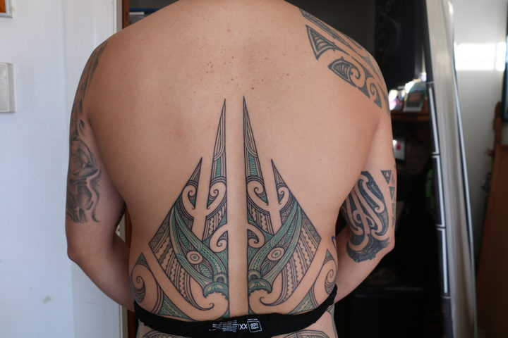 Shannon's pae tuara is the lower back region of his puhoro.