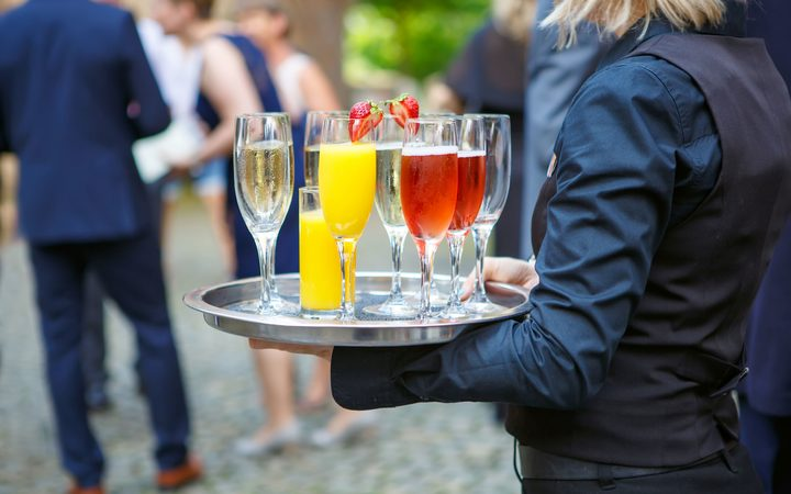 Finding good staff in the hospitality industry | RNZ