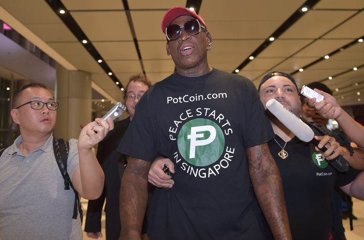 Former US basketball star Dennis Rodman - one of the few Westerners to have met the North Korean leader on visits to the capital city of Pyongyang - has arrived in Singapore.