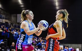 Gina Crampton of the Steel, Charlotte Elley of the Tactix