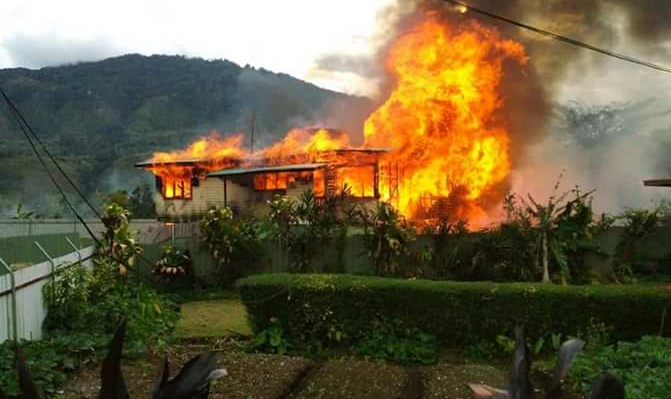 The Mendi residence of Southern Highlands Governor William Powi was burned during a day of politically-driven unrest in the PNG province, 14 June 2018
