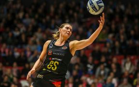 Goal shooter Lenize Potgieter has signed to the Southern Steel for 2019