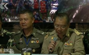 Rescue party goes inside Thailand cave for third time