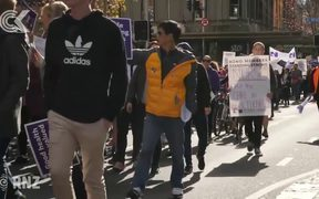 Protests across New Zealand as nurses strike