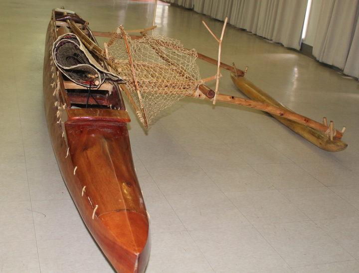 tuvalu gifts traditional canoe to american samoa governor rnz news