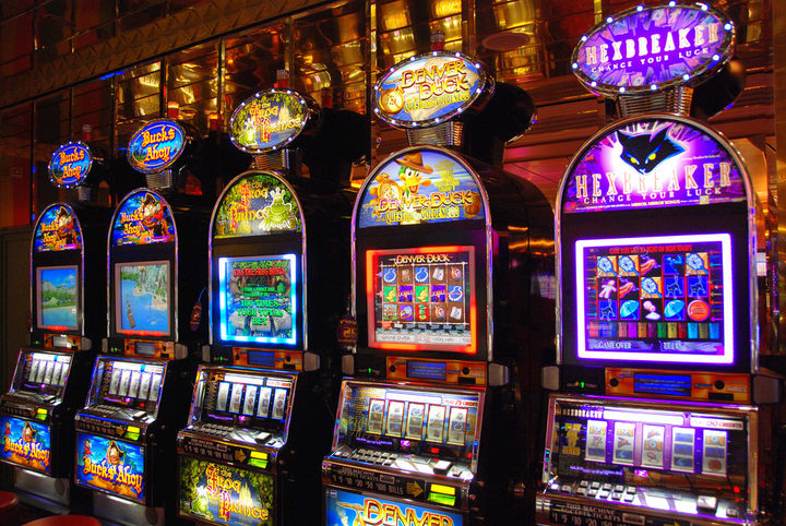 Migrants and problem gambling: 'I thought it was a way of