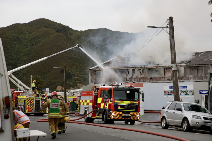 Firefighters are tackling a large blaze in a commercial building in the Lower Hutt suburb of Gracefield.
