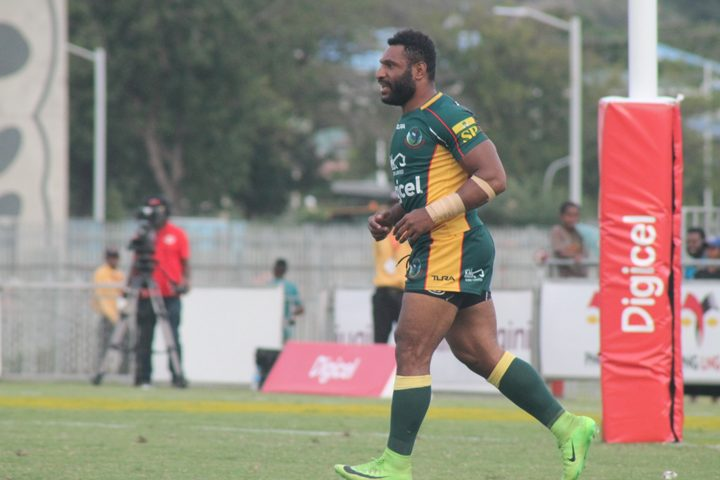 Garry Lo playing for Wahgi Tumbe in the Digicel Cup.