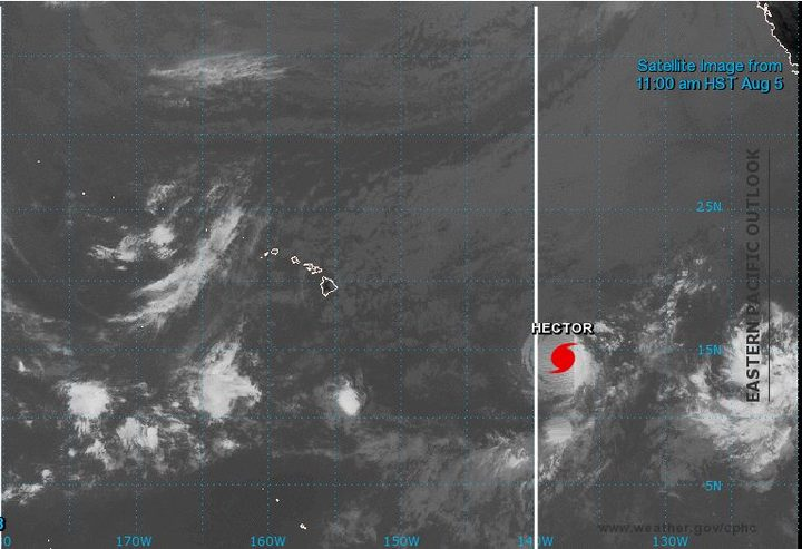 Hurricane Hector eyes Hawaii volcano