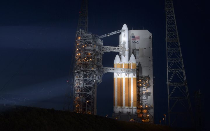 The United Launch Alliance Delta IV Heavy rocket with the Parker Solar Probe onboard shortly after the Mobile Service Tower was rolled back