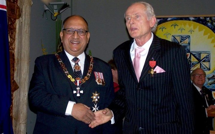 Warwick Roger received the Insignia of an Officer of the NZ Order of Merit, for services to journalism, in September 2008.