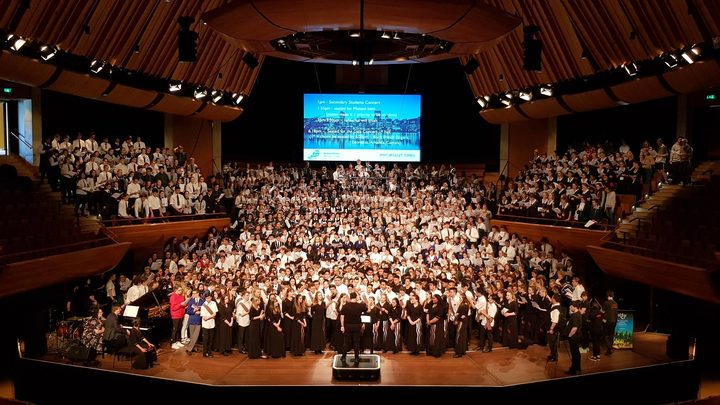 The Big Sing Finale Gala Concert ended with a massed choir of all the singers