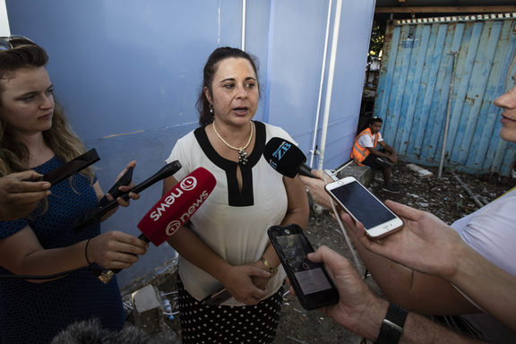TVNZ journalist Barbara Dreaver speaks to the media after she was released by Nauru Police.