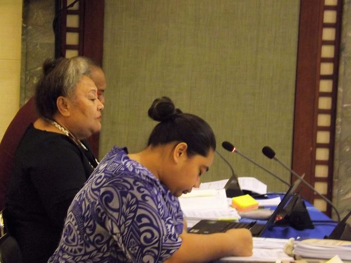 Samoa National Health Services chief executive (wearing black in the middle) Palanitina Tupuimatagi Toelupe making a submission to the inquiry into the deaths of two babies after they received MMR vaccinations.