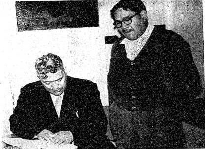 Hironi Wikiriwhi, right, who was a teacher for several years at the correspondence school in Wellington, with Col Arapeta Awatere.