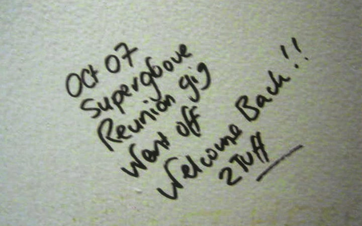 Toilet graffiti at Supergroove's 2007 reunion show at the King's Arms