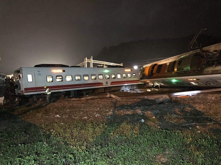 Eighteen people killed in Taiwan train derailment