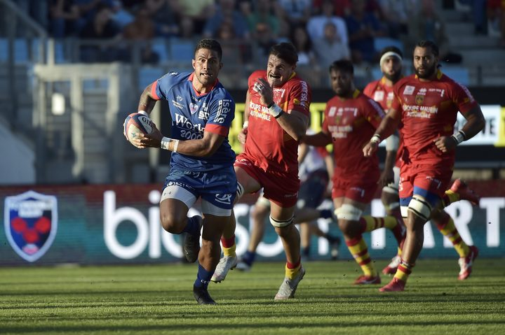 Grenoble's Alaska Taufa breaks away during a French Top 14 match against Perpigan in September.