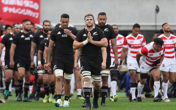 Captain Luke Whitelock.