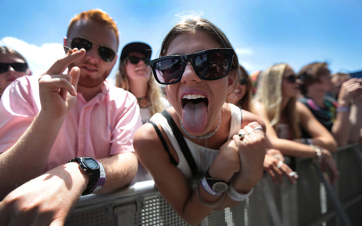 Fans enjoying the front row at Laneway 2015.